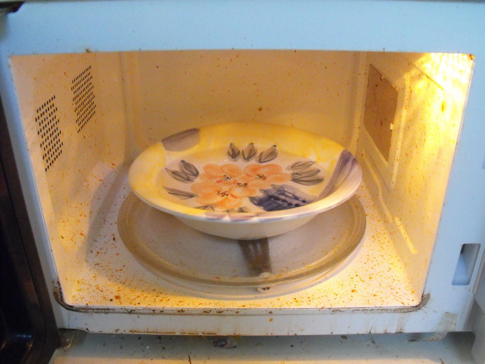 Как очистить микроволновку в домашних условиях лимонной