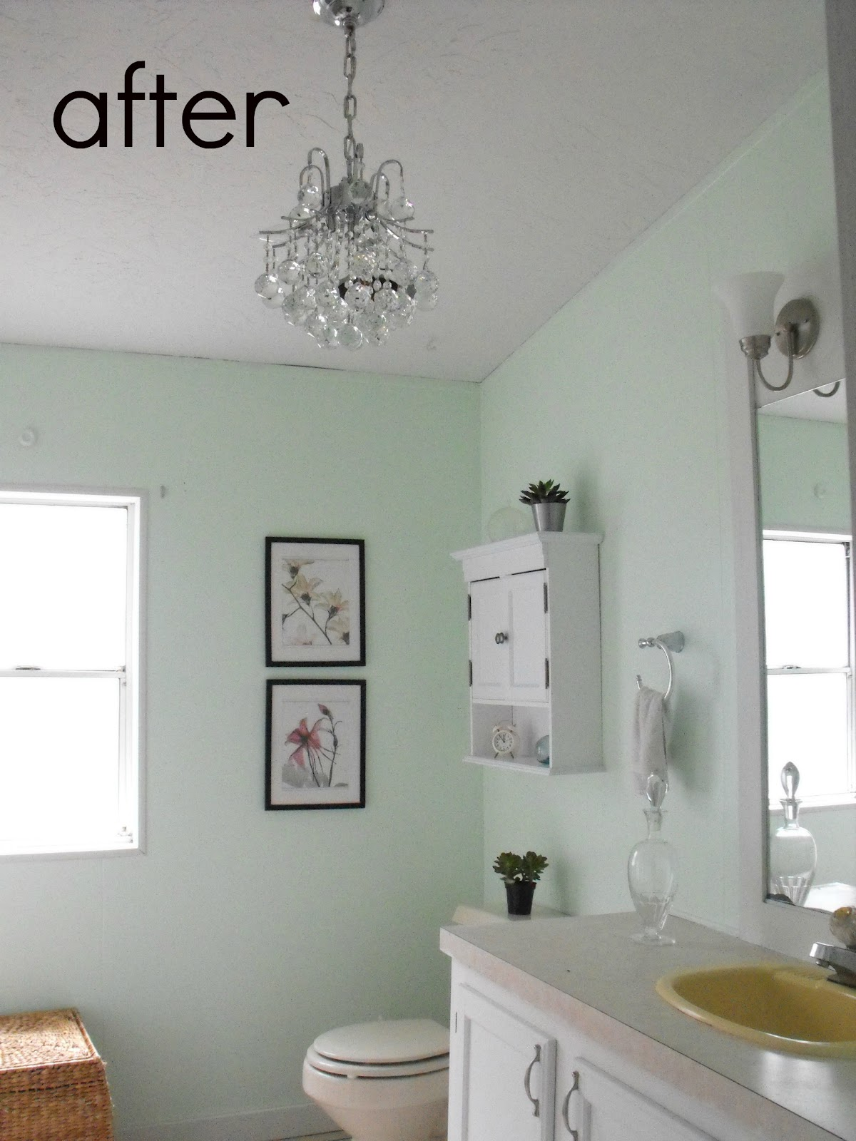 bathroom makeover gross to glam crafty little gnome. Black Bedroom Furniture Sets. Home Design Ideas
