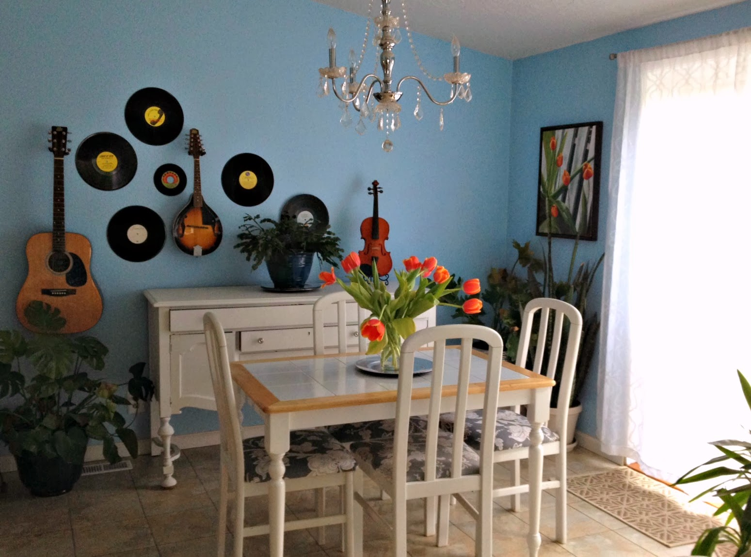 Home Tour: My Musical Dining Room - Crafty Little Gnome